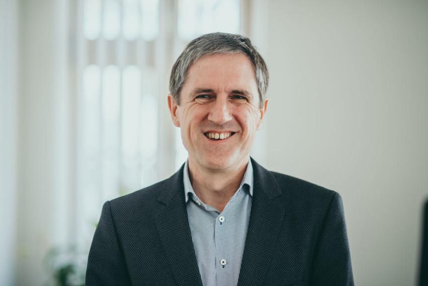 Dr. Wilfried Serles